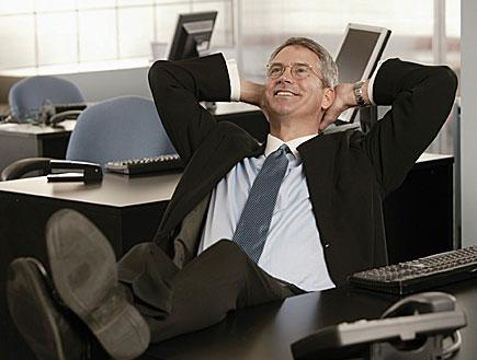 איש עסקים מאושר
