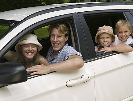 טיולי משפחות: משפחה ברכב (צילום: jupiter images ,jupiter images)