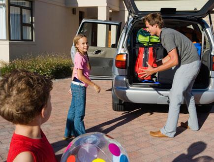 מה אורזים לטיול עם ילדים (צילום: mako ,jupiter images)