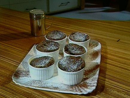 סופלה שוקולד (תמונת AVI: עדי רם ,אהרוני מבשל לחברים)