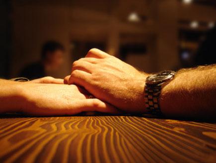 לחיצת יד (צילום: istockphoto ,istockphoto)