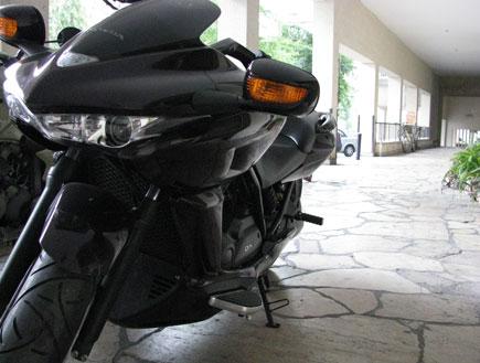 אופנוע DN-01 - פרופיל (יח``צ: ניר יניב)