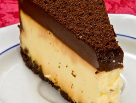 עוגת גבינה עם שוקולד (צילום: istockphoto ,istockphoto)