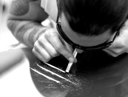 מסניף קוקאין אילוסטרציה(istockphoto)