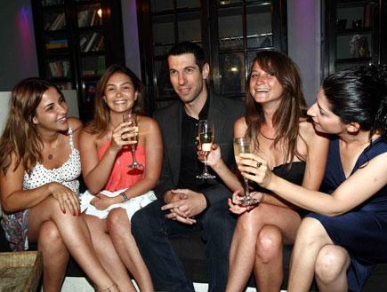 חיים אתגר והבנות, הבלוק, ערוץ 10, אירוע השקה (צילום: עודד קרני ,mako)