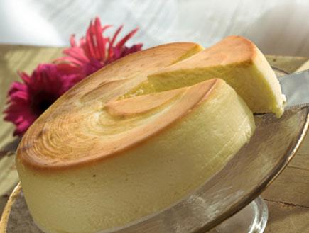 עוגת גבינה- מאכלי חלב(istockphoto)