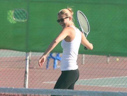 בר רפאלי משחקת טניס, פפראצי (צילום: אורי אליהו ,mako)