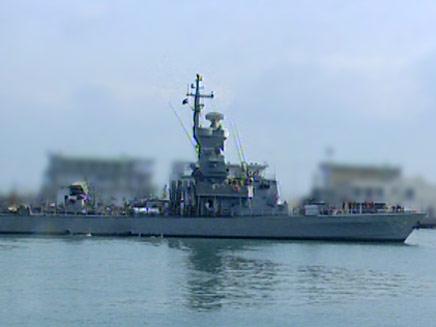 חיל הים רועש וגועש