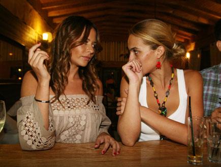 מרינה קבישר ואילנית לוי - רודריגו גונזלס פתח מסעדה (צילום: אורי אליהו ,mako)
