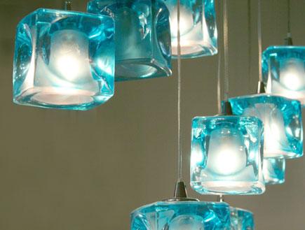 מנורות כחולות- חני דומבה