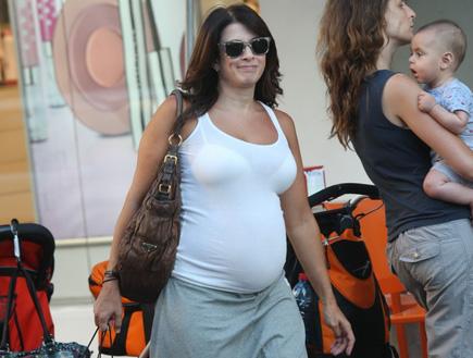 מירי נבו בהריון, פפראצי (צילום: אלעד דיין ,mako)