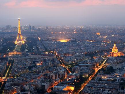 מבט על פריז בשקיעה