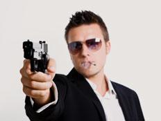איש יורה- אקדחים