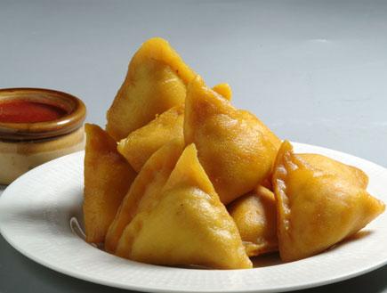 סמוסה - כיסוני בצק הודים (צילום: בועז לביא ,מסעדת טנדורי)