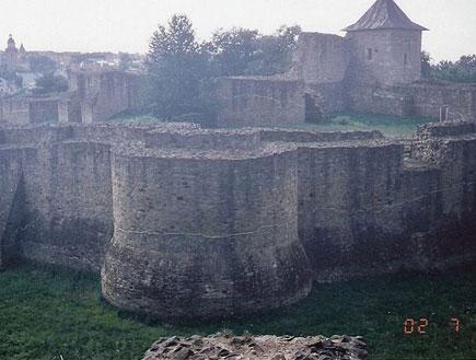 שרידי המבצר והארמון של שטפאן הגדול בסוצ'אבה(ויקיפדיה העברית)