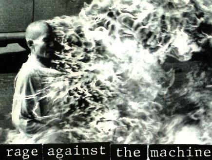 רייג' אגיינסט דה מאשין, עטיפת קילינג אין דה ניים (צילום: יחסי ציבור)