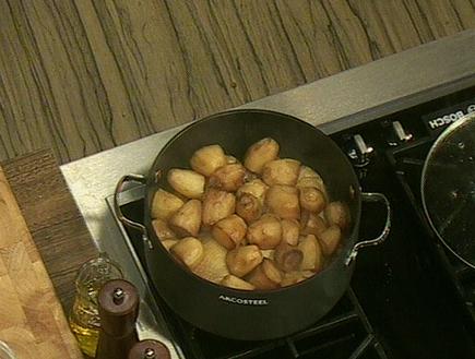 תפוחי אדמה וכרעי עוף לפטטה בופריטו