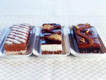 עוגת מוס קוקוס כשרה לפסח (צילום: סטודיו מיכל ודקל ,בן עמי)