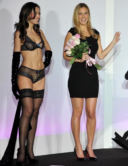בר רפאלי בתצוגת אופנה בפריז