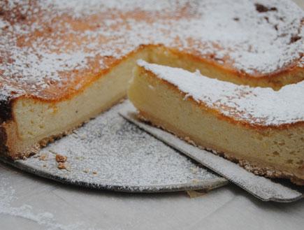 עוגת גבינה אפויה אוורירית (צילום: פסקל פרץ-רובין ,יחסי ציבור)