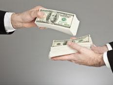 ידיים מחליפות כסף
