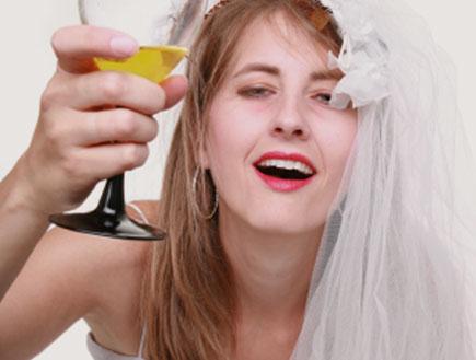 כלה שיכורה (צילום: istockphoto ,istockphoto)