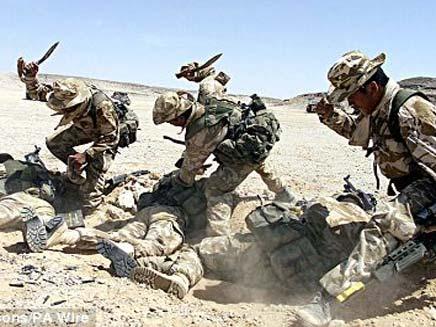 """בדרכם לירדן? חיילי צבא ארה""""ב (צילום: דיילי מייל)"""