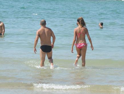 חן שילוני ובעלה בים 7 (צילום: אלעד דיין ,mako)