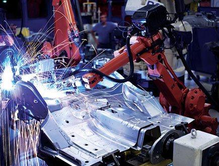 מפעל מכוניות 8