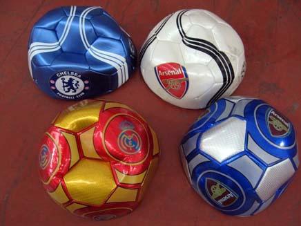 מי רצה להבריח ארצה כדורגל אנגלי? (צילום: רשות המיסים)