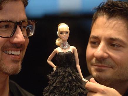 מעצב התכשיטים האוסטרלי סטפנו קנטורי (משמאל)... (צילום: ג'רי פיטר)
