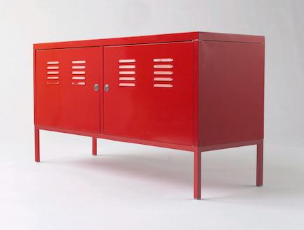 ארונית 119x63 אדום 495 שקלים-פריטים שווים באיקא (יח``צ: יחסי ציבור)