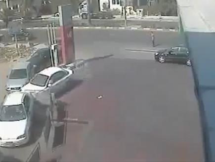 זהירות,אידיוט באוטו