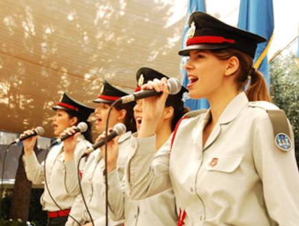 """זמרות להקה צבאית (צילום: דובר צה""""ל ,אתר צה""""ל)"""