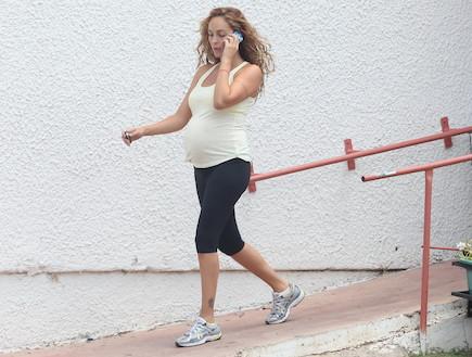 מירי בוהדנה בהריון מאוד 2011 (צילום: ראובן שניידר ,mako)