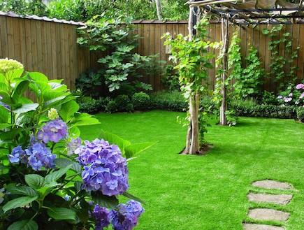 דשא סינטטי ברשת כרמל  (צילום: יחסי ציבור)