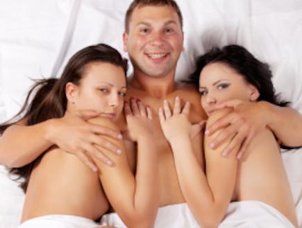 סקס בשלישייה (צילום: istockphoto ,istockphoto)
