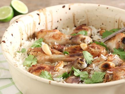 שוקי עוף עם לימון וכוסברה בתנור עם אורז אחרי (צילום: אסף רונן)