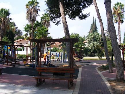 גן שי בנווה מונסון - הוקם לזכר הנופלים הישראלים באסון התאומים