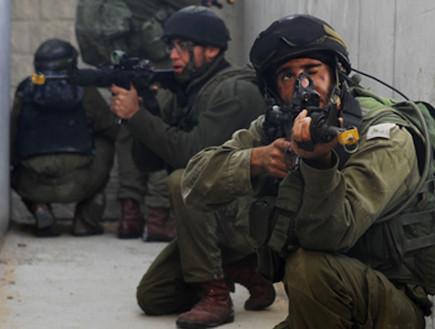 חייל מילואים באימון מאל''א