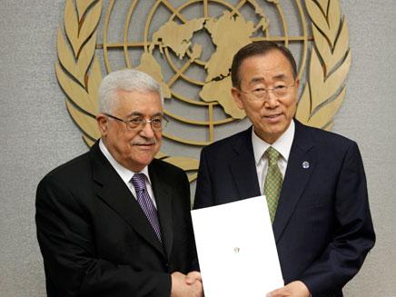 """מדינה משקיפה. אבו מאזן עם מזכ""""ל האו""""ם (צילום: AP)"""