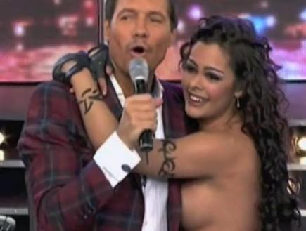 לאריסה ריקלמה רוקדת בטופלס 2