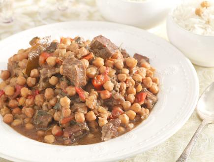 בשר בקר עם גרגירי חומוס ונענע (צילום: אסף רונן)