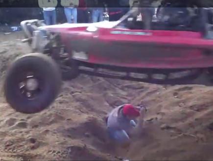 מרוץ מכוניות (צילום: צילום מסך)
