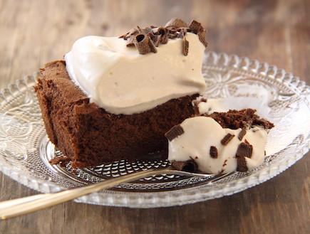 עוגת שוקולד ללא קמח עם קרם קפה 8