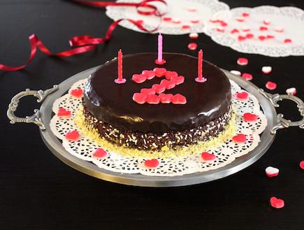 עוגה כושית עם סוכריות - מוכנה