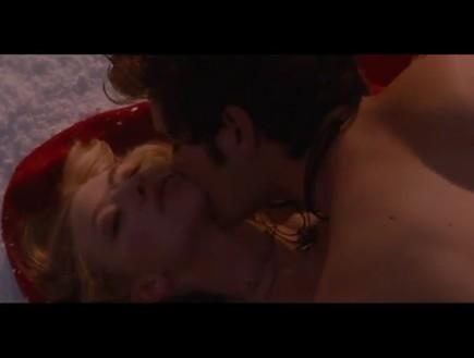 כיפה אדומה סקס