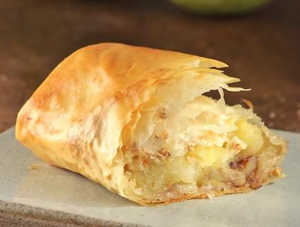 שטרודל תפוחים בבצק פילו (צילום: קדם צלמים ,עוגות ועוגיות, הוצאת קוראים)