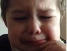 ילד בוכה ביוטיוב (צילום: You Tube)