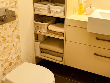 שירותים חדר רחצה אחרי שיפוץ -אילת כהן (צילום: ליאת כץ)